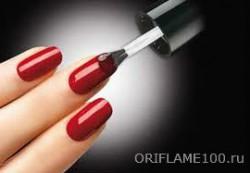 Правильно красить ногти лаком можно разными способами.